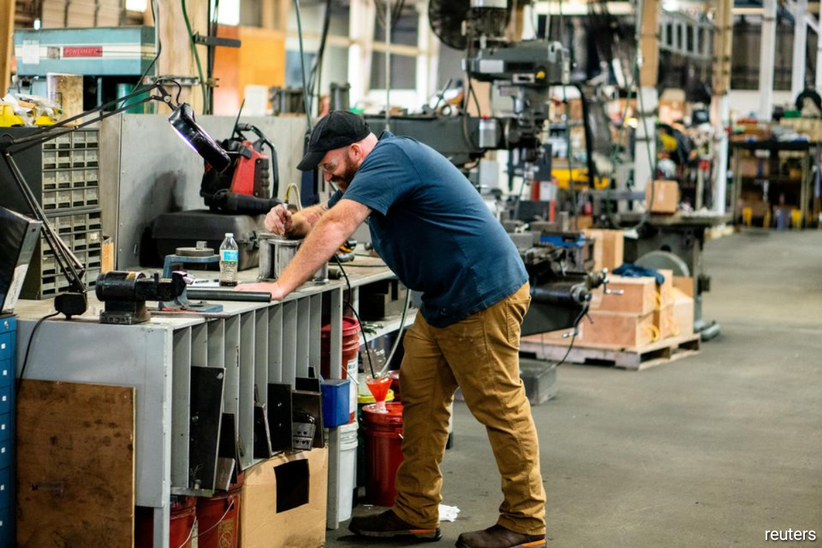 American manufacturers of all sizes are grappling with the strongest inflationary pressure in three decades following a relentless rise in raw-materials prices in the past 13 months.