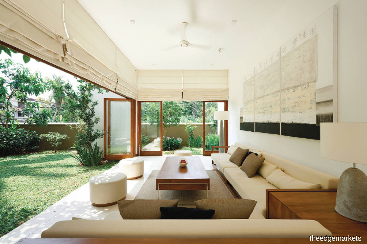 Kodikara House, with a built-up of 4,025 sq ft, had a total construction cost of  LKR28 million (Photo by Lalith Gunadasa Architects)