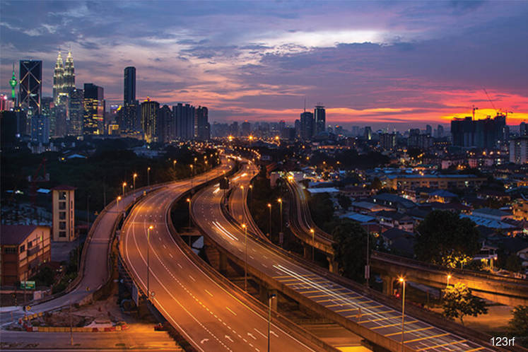 AmBank Research projects Malaysia 2017 GDP to hover around 5.7%-5.9%; 5.5%-6% in Budget 2018