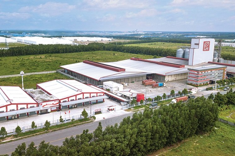 Lower egg, chicken demand after virus outbreak cuts Leong Hup 1Q profit by 64%