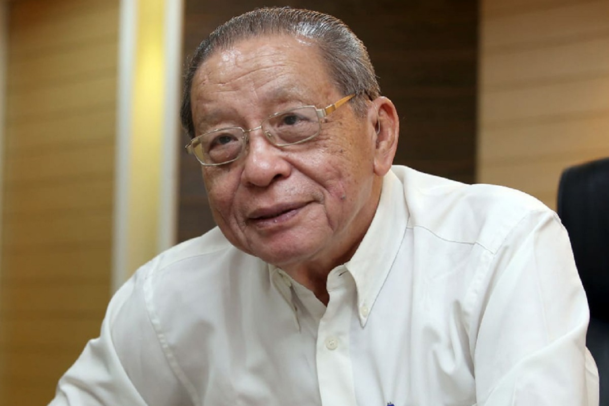 Kit Siang proposes one-year 'political moratorium' unless there's strong  majority support for new PM | The Edge Markets