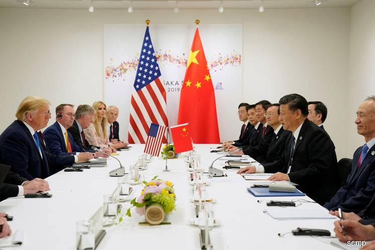 China's top US trade war negotiator sidesteps growth risks as Beijing digs in for extended battle