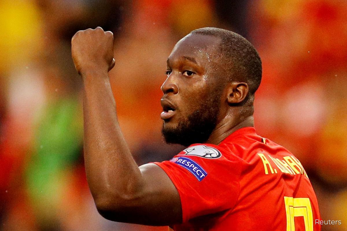 Lukaku double sends Belgium into Nations League final four
