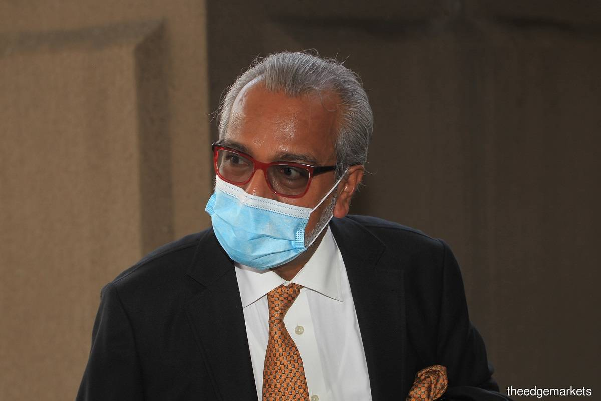 The lead defence counsel Tan Sri Muhammad Shafee Abdullah (pic) had suggested that it was in fact master conspirator Jho Low who was the shadow director in the company, not former prime minister Datuk Seri Najib Razak. (Photo by Shahrin Yahya/The Edge)