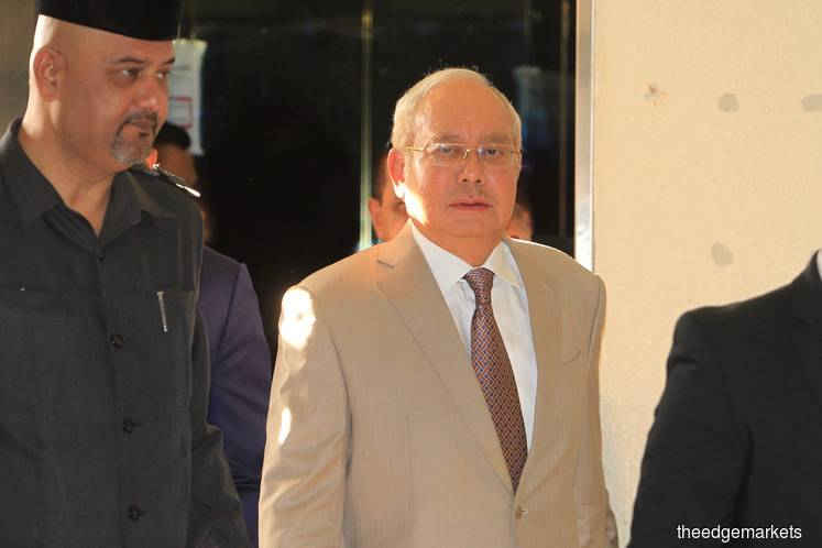 Much ado about nothing: Najib not calling document expert, after applying for him to testify