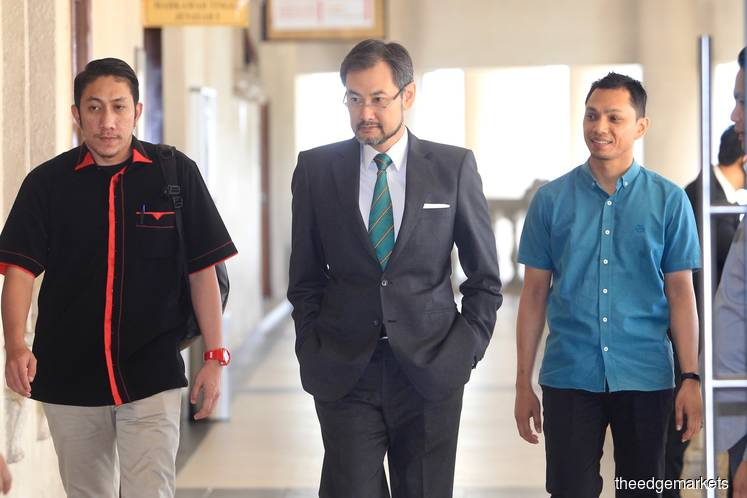 Witness agrees AmBank hid from 1MDB Jho Low firms were major subscribers of RM5b bonds
