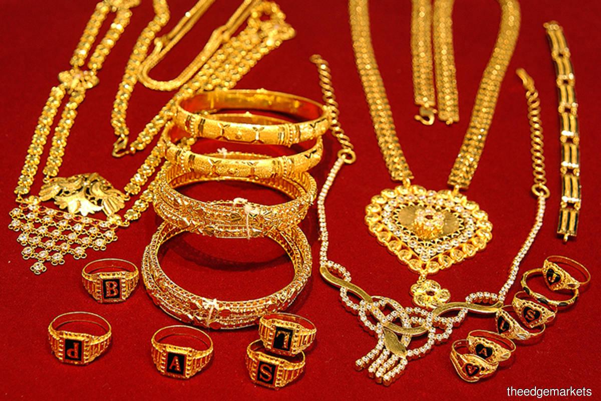 Jewellers shine amid gold rush