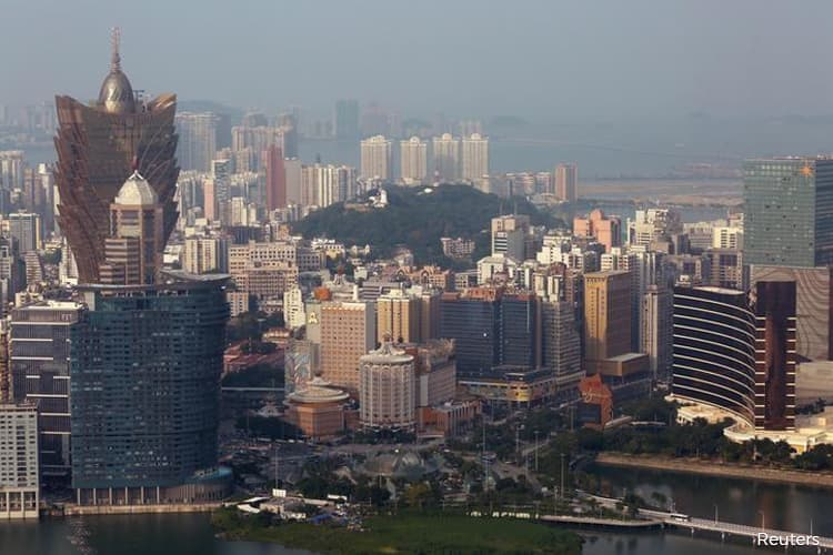 Macau Casinos Face Biggest Threat to Growth in Five Years