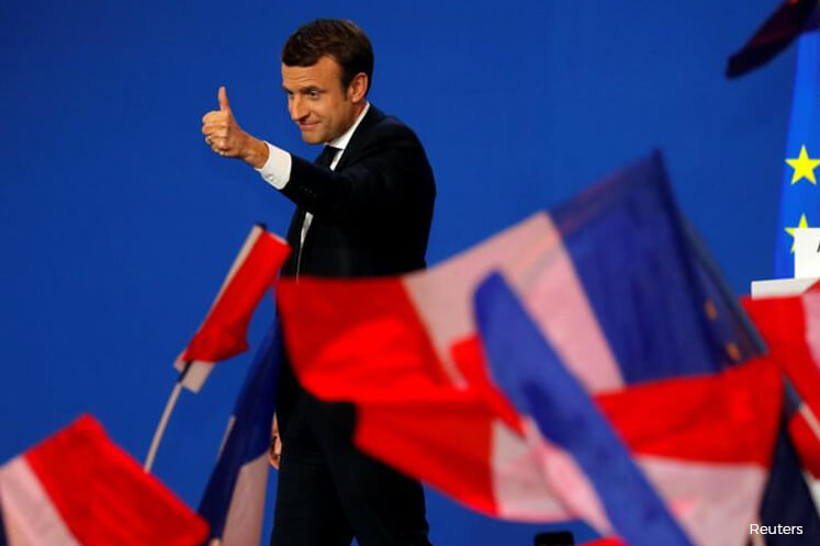 Final French vote count puts Macron, Le Pen through to 2nd round