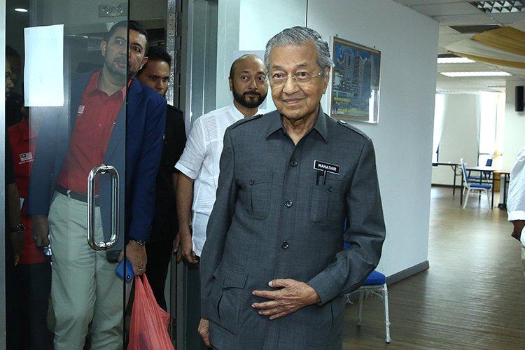 """马哈迪访华将提出""""不公平""""合约问题"""