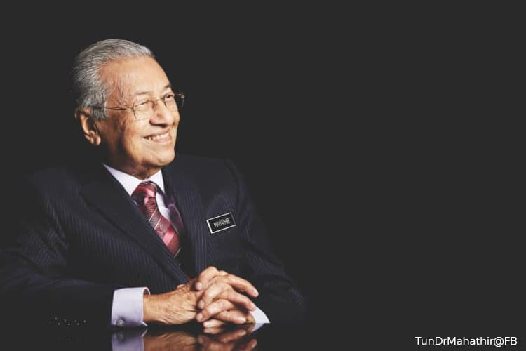 Dr Mahathir : Malaysia demands FAA explanation on air safety downgrade
