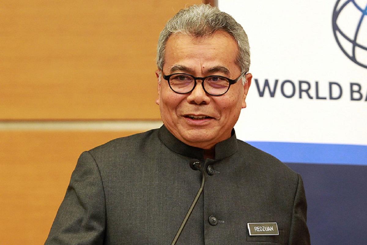 Govt will continue to assist rubber glove industry, saysMohd Redzuan