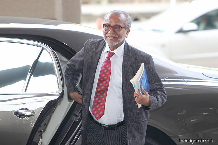 Shafee grills witness over contradictory signature claims