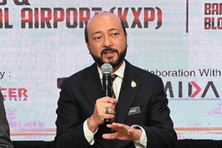 Mukhriz resigns as Kedah MB, says has lost majority support