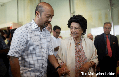 Mukhriz resigned after losing majority support, says PMO