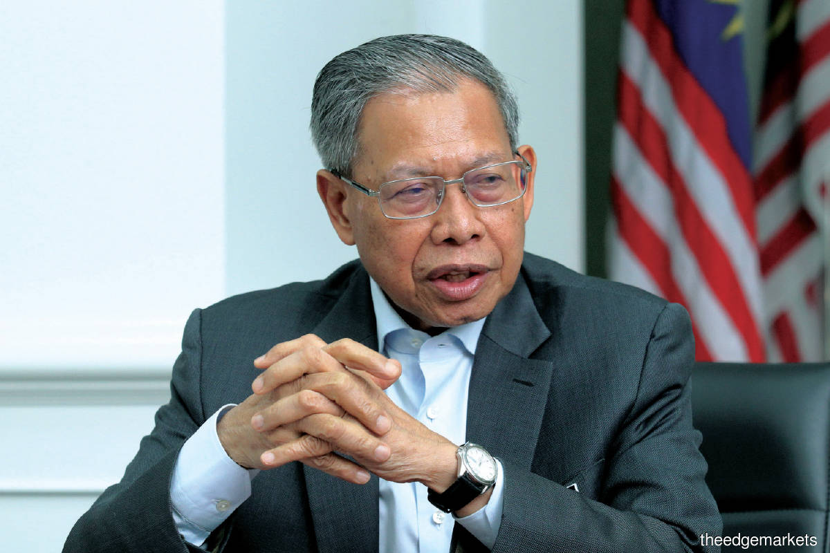Mustapa: Considering ongoing efforts to privatise FGV, at the moment ­FELDA is not looking to terminate the LLA and take over the mills. (Photo by Kenny Yap/The Edge)