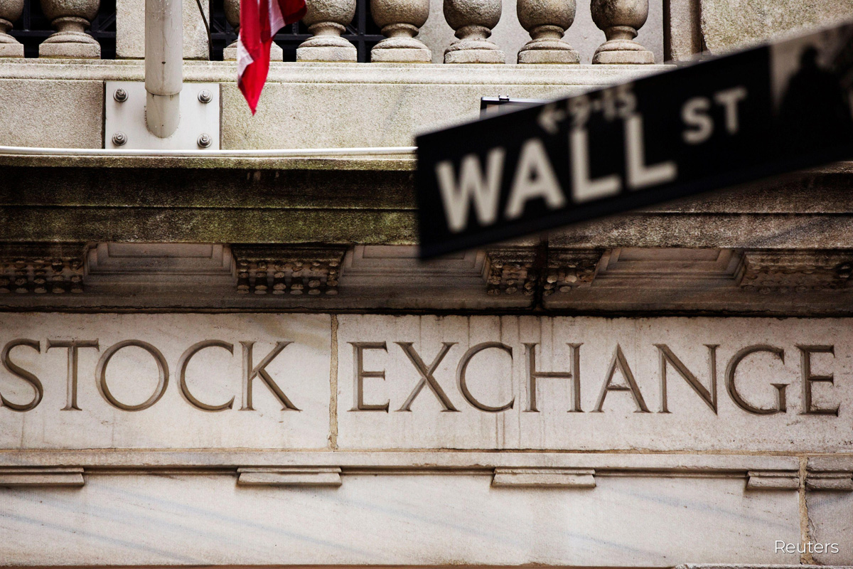 Wall St dives as shutdown worries overshadow vaccine hopes
