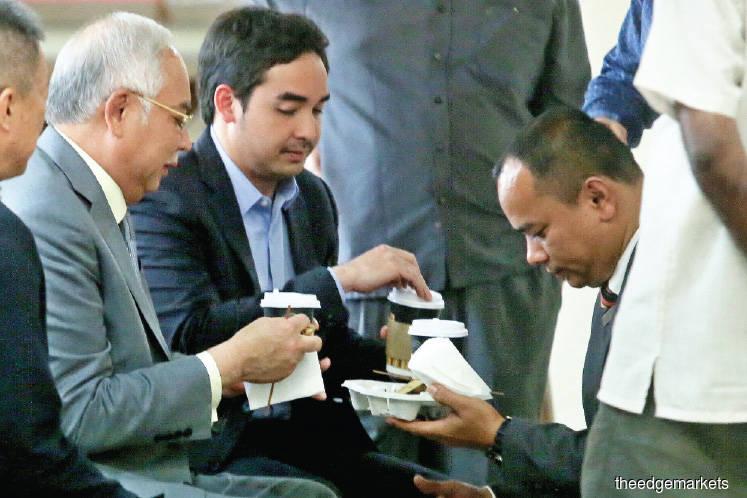 Najib fails to quash his seven SRC charges