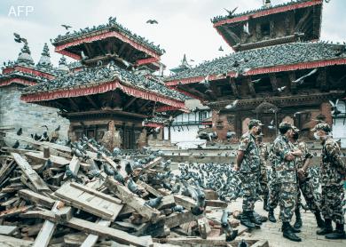 Nepalese-soldiers_Durbar-Square_Kathmandu_AFP