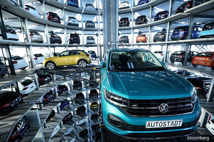 Global Carmakers Found to Make Slow Progress Toward Digital Redo