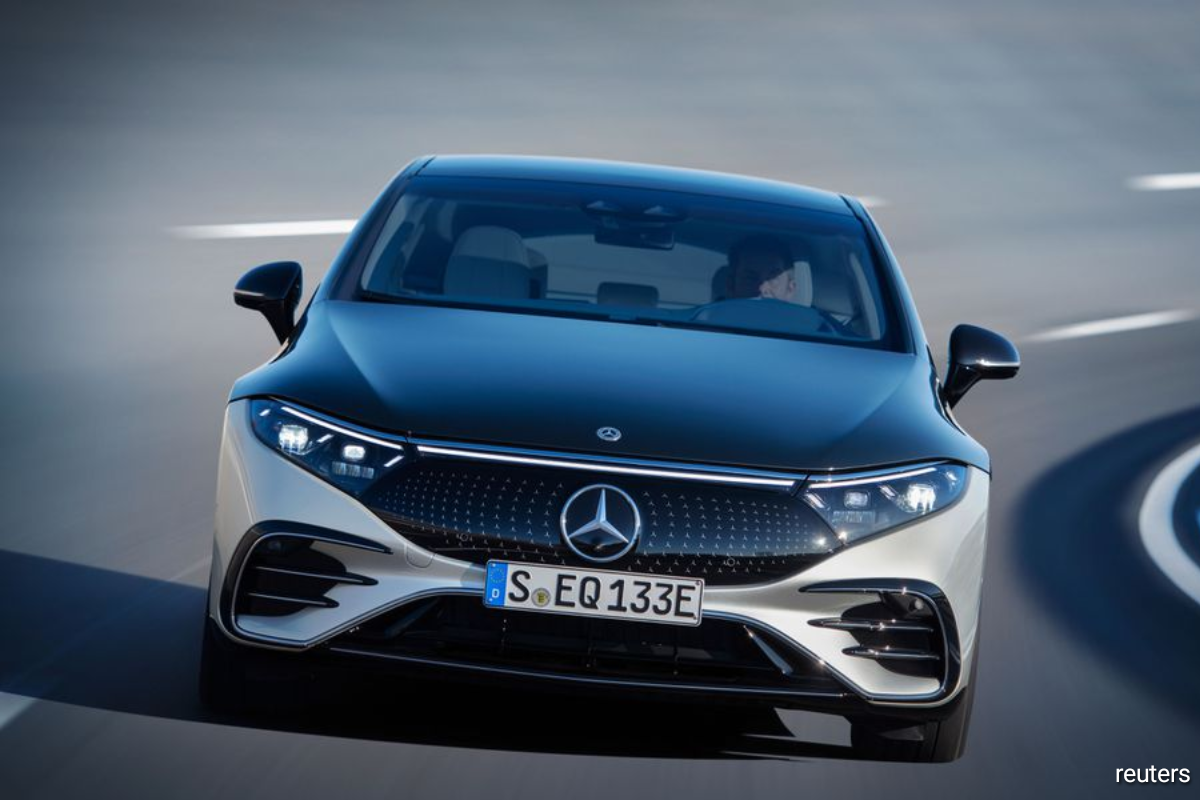 """""""A transformation of our workforce will involve tough decisions. Yes, overall we must and will reduce our personal costs,"""" Mercedes-Benz management board member and head of human resources Sabine Kohleisen said."""