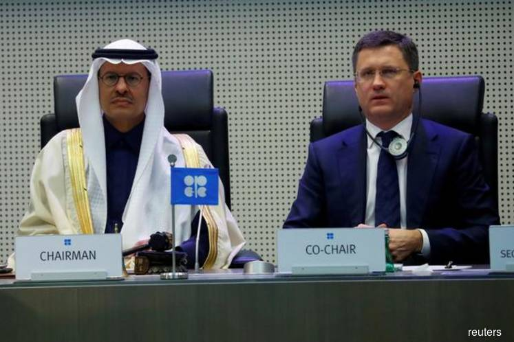 Russia and Saudi 'very close' to oil deal, Moscow signals big cuts