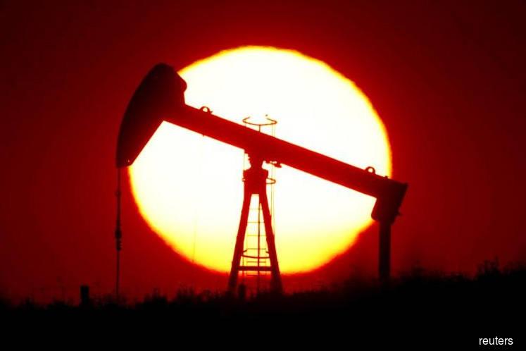 Oil prices extend slump as U.S. coronavirus cases climb