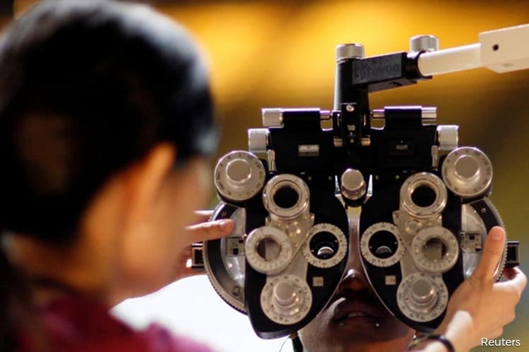 Allow opticians to operate during MCO, says chamber