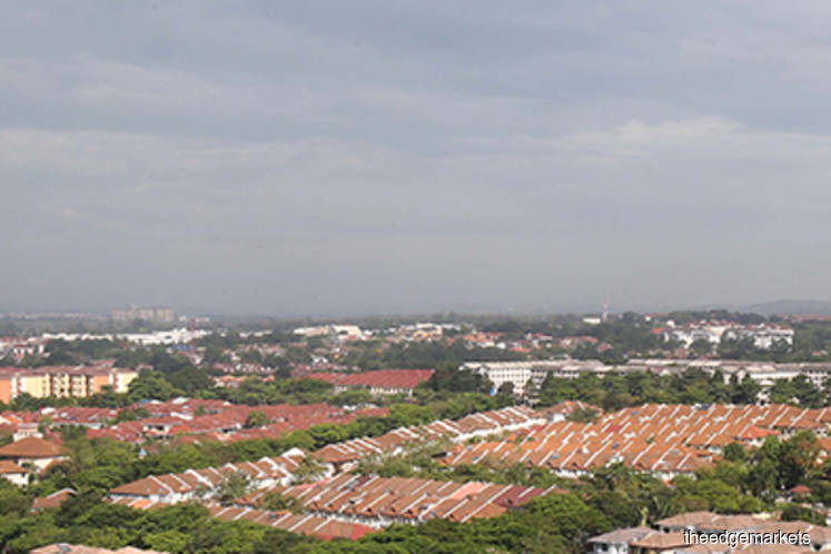 KL home prices contract three quarters in a row