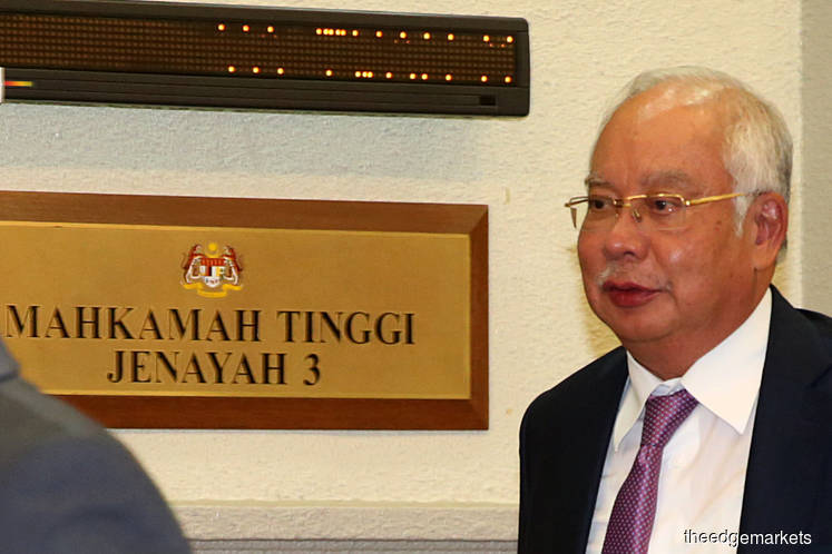 Five witnesses in Najib's SRC trial have passed away, MACC officer tells High Court