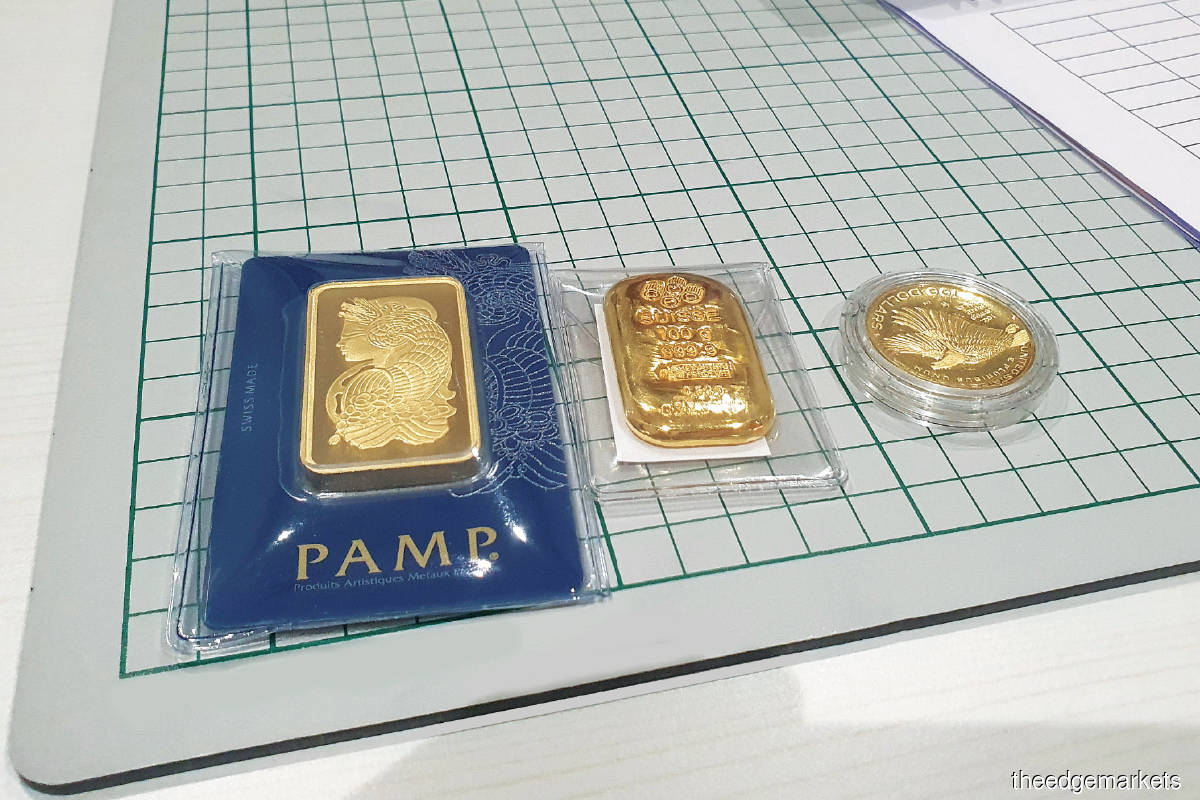 From left: Gold bullion in 500g, 100g and 1 troy ounce denominations