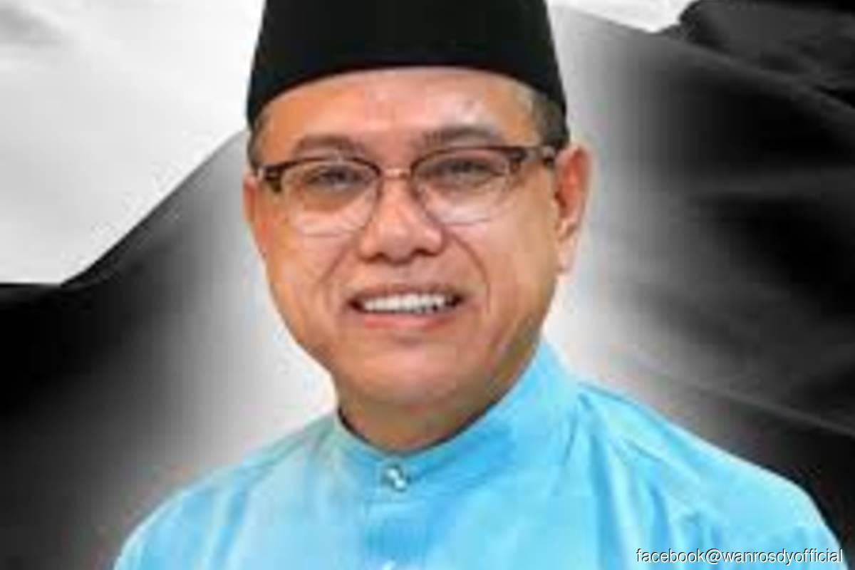 Menteri Besar Datuk Seri Wan Rosdy Wan Ismail