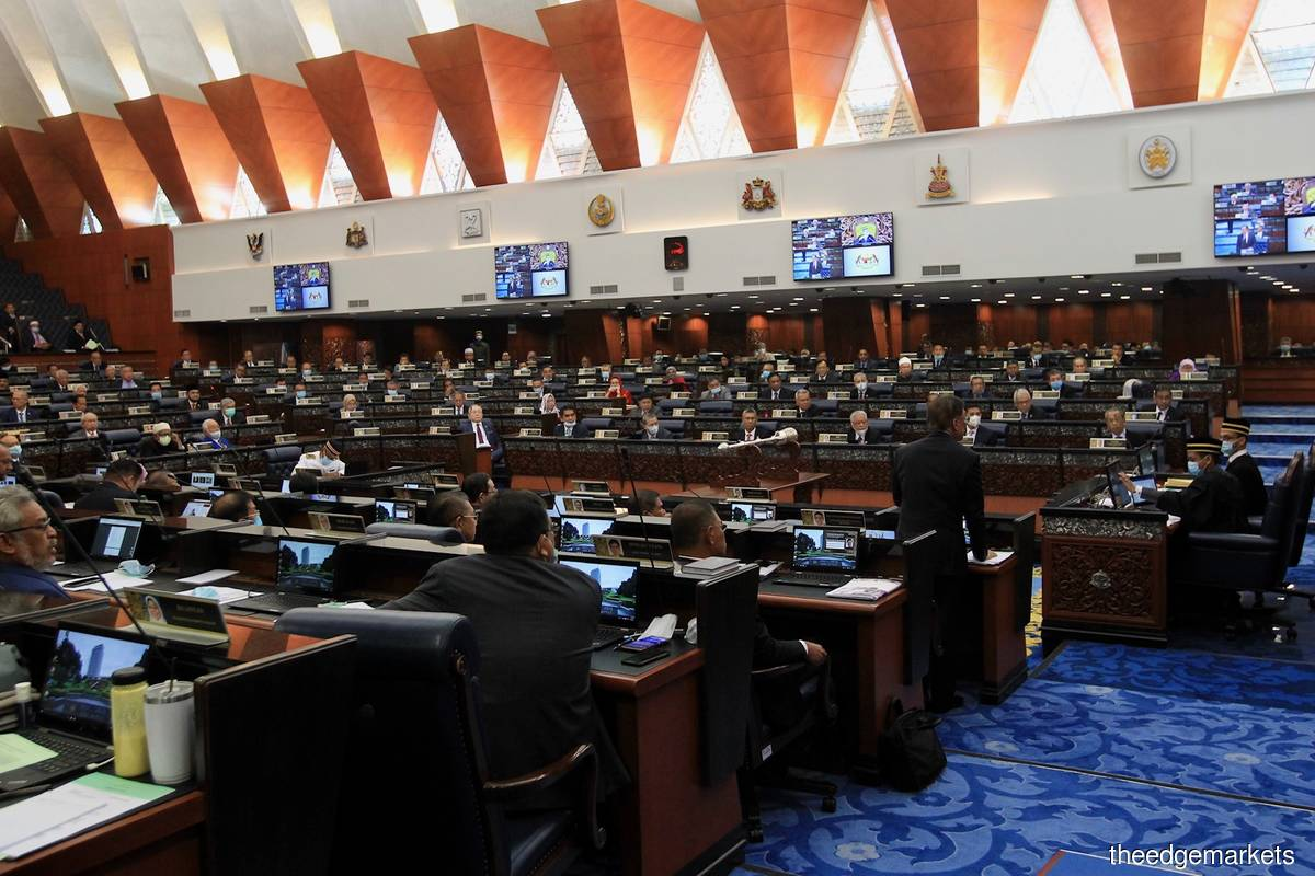 War of words in Dewan Rakyat over bloc voting mistake