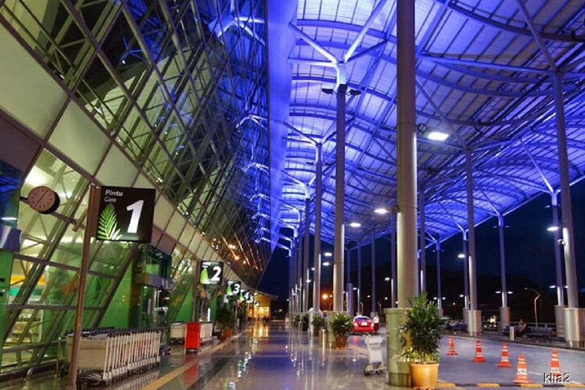 A file photo of the Penang International Airport. Syarikat Pembinaan Anggerik Sdn Bhd (SPASB), which claimed RM66.8 million in a lawsuit against MAHB, was only awarded RM9.9 million by the High Court today.