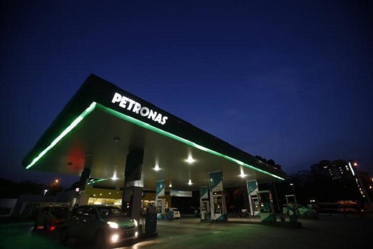 Petronas Dagangan warns of gloomy prospects after loss-making 1Q