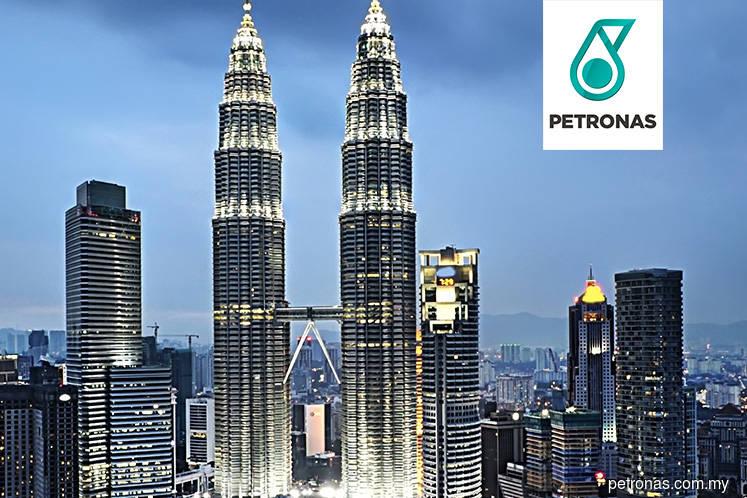 Higher sales volume, weakened ringgit lift Petronas' 1Q profit