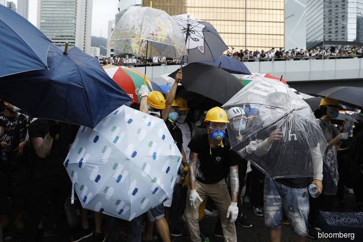 Police fire tear gas, rubber bullets at Hong Kong 'riot situation'