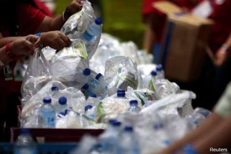 China Unveils Plan to Reduce Single-Use Plastic by 2025