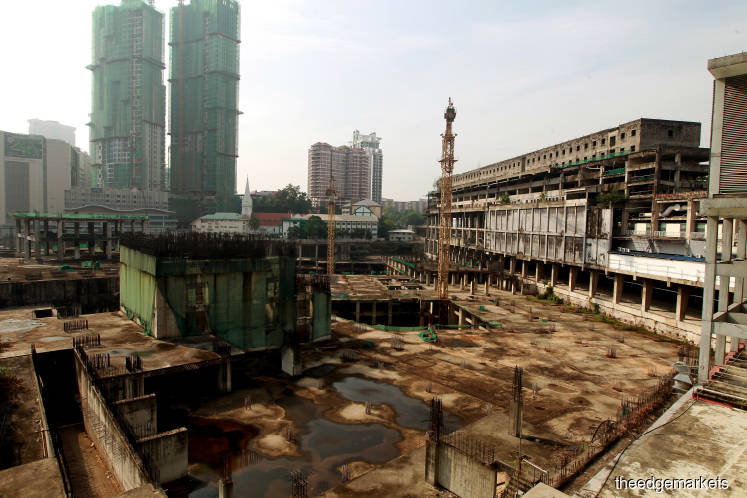 An alternative for 20-year-old abandoned Plaza Rakyat project is to 'leave it as it is', says FT Minister