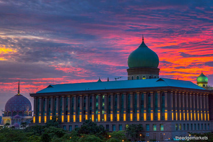 Corruption-free govt is Putrajaya's biggest wish in 2019, says Tun M