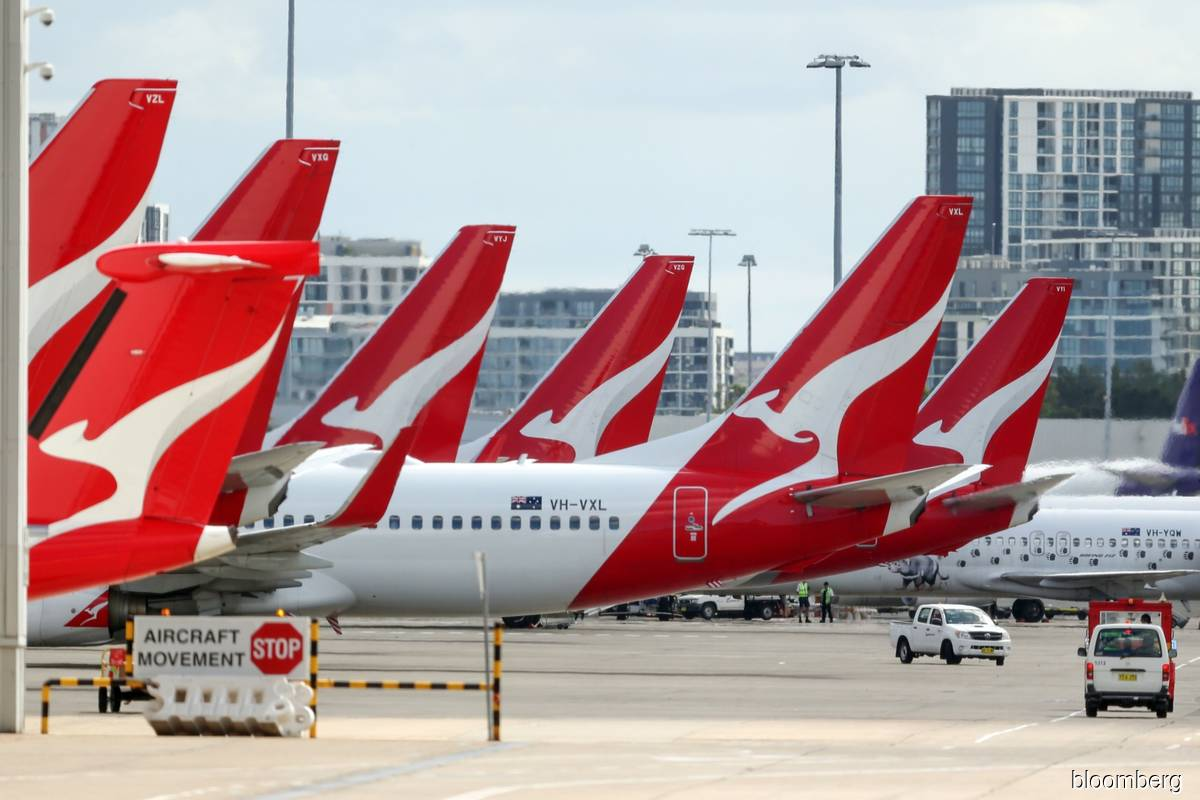 Qantas reopens ticket sales for international flights from July