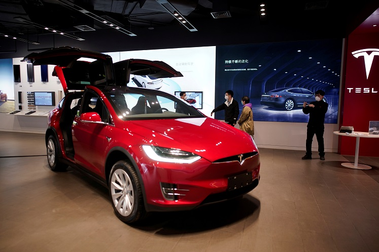 Tesla the most popular buy among Malaysian investors in April