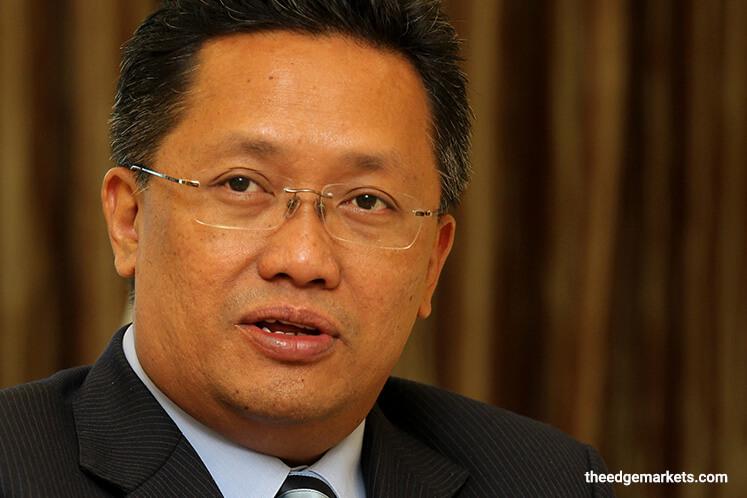 """Why is Rahman Dahlan more keen on questioning Rosmah's implication by DoJ?"" asks DAP's Pua"