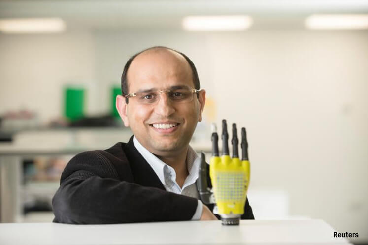 Scientists use graphene to power 'electronic skin' that can feel