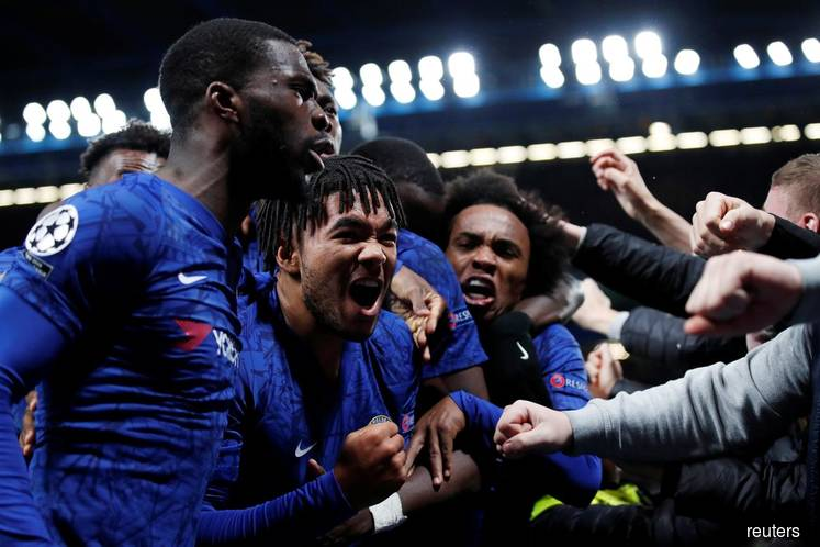 Chelsea and nine-man Ajax share spoils in thrilling 4-4 draw