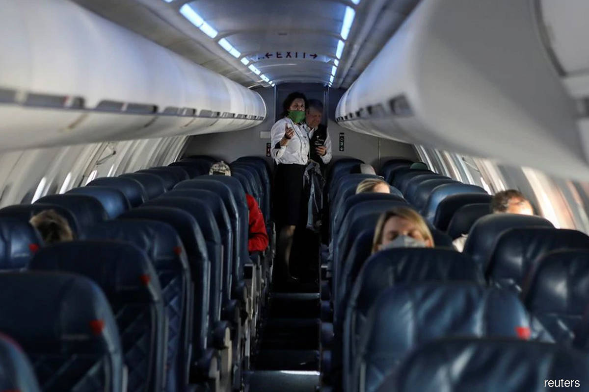 Regional carrier SkyWest cancels 700 US flights over technical woes