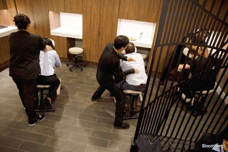 The LAX lounge offers skin-hydration therapy and chair massages.