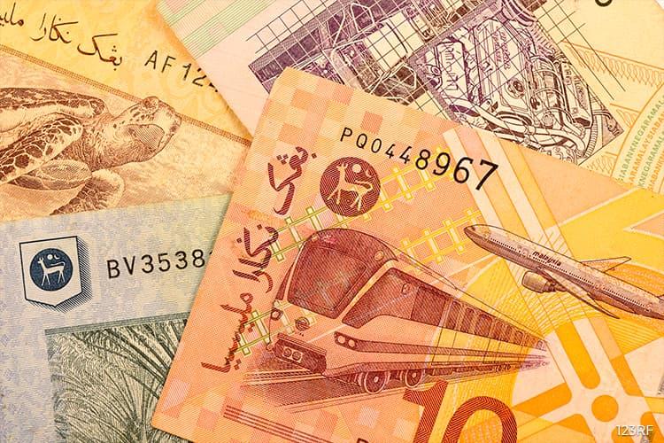 Ringgit stays below psychological level against Singapore dollar, USD