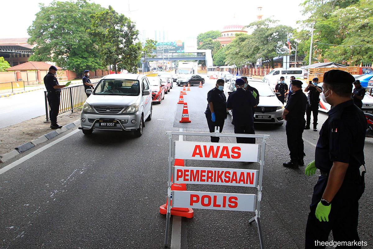 Police deny road closures in PJ