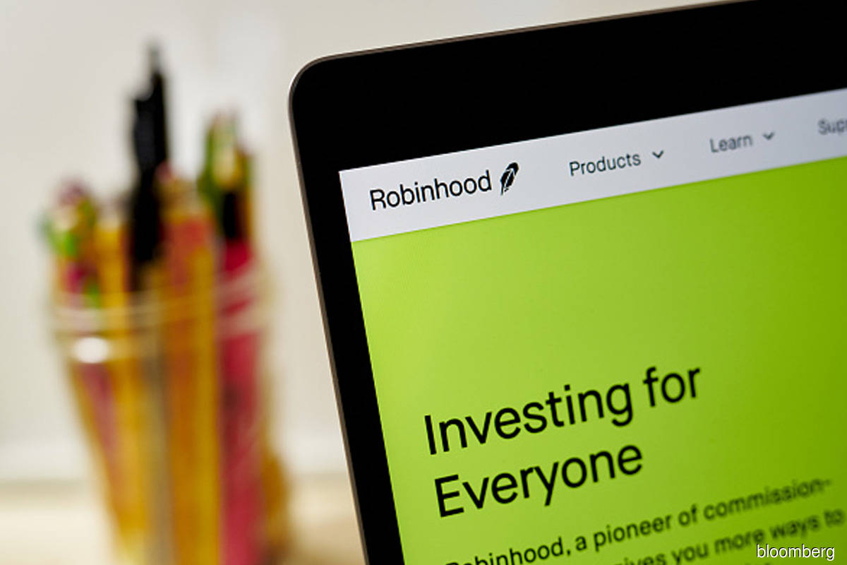 Robinhood prices IPO at bottom of marketed range